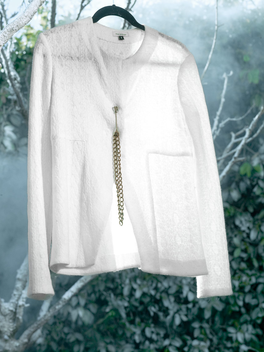 White-sweater-with-brass-chain0008.jpg
