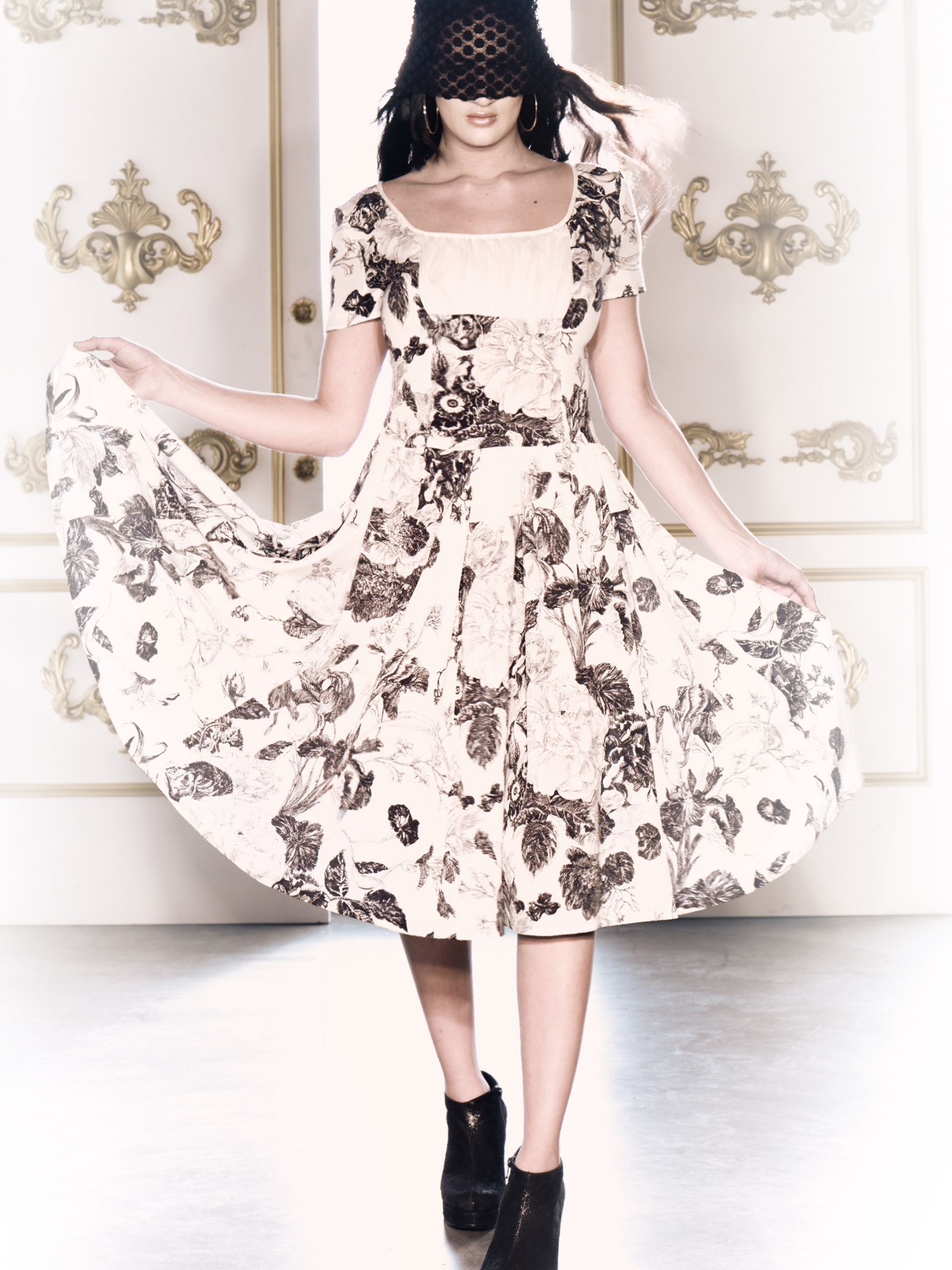 _27cremeblackfloraldress0621